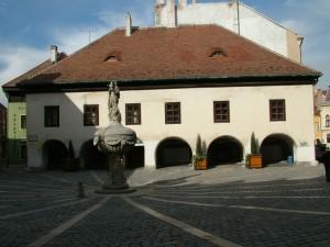 Labashaz-idoszakos-kiallitasok-Sopron