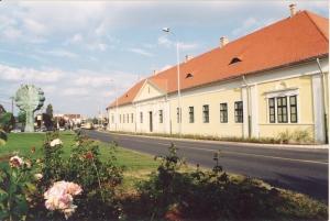 Magyar-foldrajzi-muzeum-wimpffen-kuria-Erd