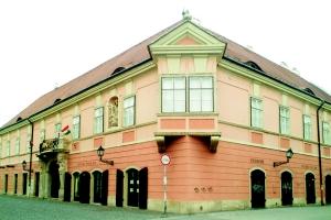 Varosi-muveszeti-muzeum-esterhazy-palota-Gyor