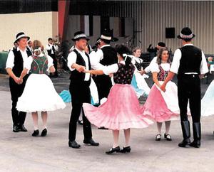 Pusztavami-nemet-nemzetisegi-tanccsoport-egyesulet-Pusztavam