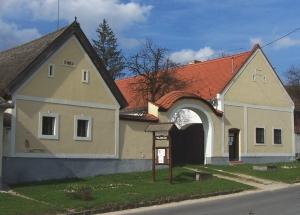 Szabadteri-neprajzi-muzeum-tajhaz-Bakonybel