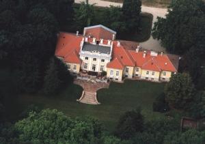 Hertelendy-kastelyszallo-Kutas